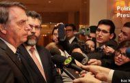 """""""Se ele falou isso, lamento"""", diz Bolsonaro sobre declaração de filho"""