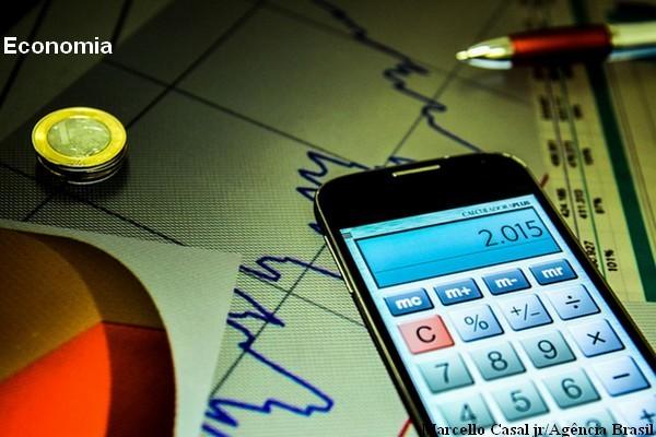 Mercado eleva projeção de inflação e de crescimento econômico