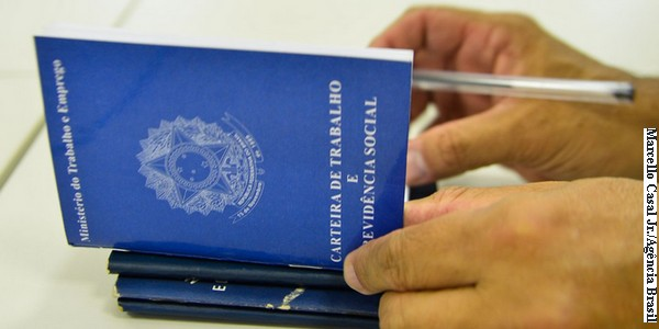 País registra criação de 48,4 mil vagas de trabalho formal. Resultado de junho é o melhor desde 2013