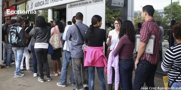 Caged: Brasil gera 184 mil empregos formais em março