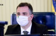 Senadores lamentam ataques de Bolsonaro a trabalho da imprensa